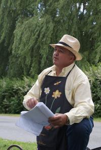 Idée de Sortie La Celette Visite Guidée d'Ainay le Vieil et du Canal de Berry  avec le Poète Enchanteur