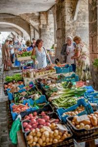 Evenement Montbazens Petit marché de Villefranche, le samedi matin