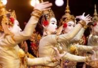 Les-etoiles-par-le-Ballet-Royal-du-Cambodge Saint Martin de Crau