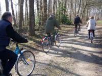 Location de VTC et vélos électriques-Credit-Droits-reserves