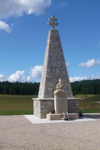 Idée de Sortie Échallon Monument du maquis d' Echallon