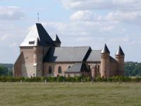 Idée de Sortie Romery Église fortifiée Saint-Médard