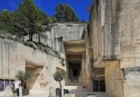Dali-l-enigme-sans-fin-et-Gaudi-architecte-de-l-imaginaire Les Baux de Provence