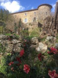 Evenement Mercuer Visite des jardins labellisés Jardin remarquable. Ponctuée de brèves lectures de textes de Bernard Palissy et de paroles de la jardinière.