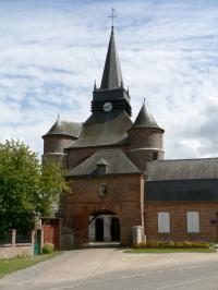 Idée de Sortie Brunehamel Église fortifiée Saint-Médard