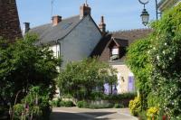 Village de Chédigny Jardin Remarquableet fleur d´or Indre et Loire