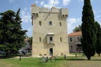 Idée de Sortie Port Saint Louis du Rhône Port-Saint-Louis à vélo, la ville entourée d'eau
