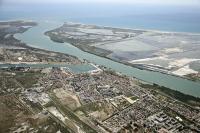 Idée de Sortie Port Saint Louis du Rhône Port-Saint-Louis on bike, the city surroundedwater