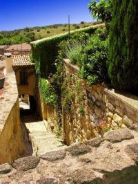 Idée de Sortie Rognes Bouches-du-Rhône en Paysages - Rognes, flâneries entre pierres et jardins