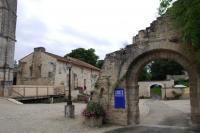 Idée de Sortie Montignac Charente ABBAYE DE SAINT-AMANT DE BOIXE