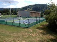 Idée de Sortie Sainte Eulalie d'Olt courts de tennis