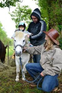 Idée de Sortie Sainte Foy de Belvès Au cheval qui brouste