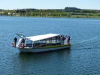 Idée de Sortie Salles Curan Bateau-promenade Le Papillon Jaune sur le lac de Pareloup