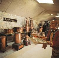 Idée de Sortie Lachapelle Auzac Distillerie Louis Roque