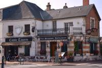 Restaurant Vitry aux Loges Castle Tavern