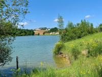 Idée de Sortie Sainte Sabine Born Lac du Brayssou - Pêche et randonnée pédestre.