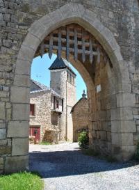 Idée de Sortie Buzeins Village fortifié de Vimenet