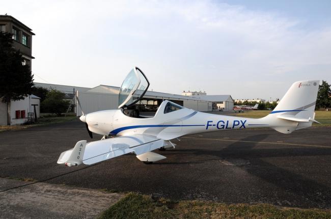 Visites secrètes : Aéroclub vol moteur de Bourges-Credit-Aeroclub-vol-moteur-de-Bourges-Avion-Bourges--Visites-secretes-cote-Cher-fr-Aeroclub-vol-moteur-de-Bourges