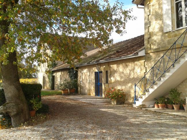 Vignobles Lamarque - Château Puynormond-Credit-O-T-du-Lussacais