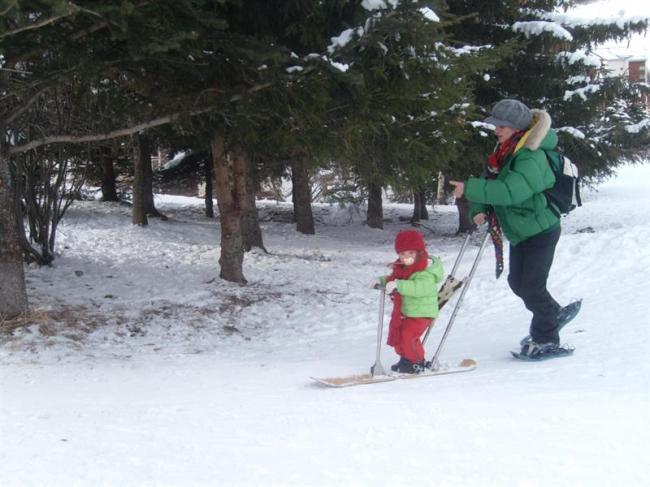 GLISSE ORIGINALE AVEC BABYSNOW, BABYLUGE ET SNOWKICK-Credit-OTL