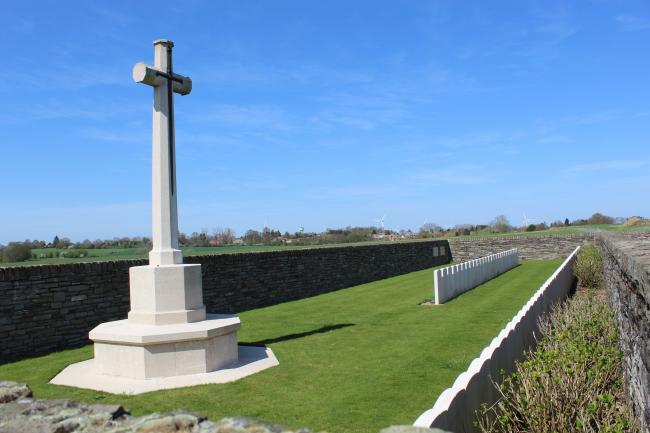 Cimetière britannique de Montbrehain-Credit-Montbrehain-British-Cemetery-1-Rene-Hourdry-https-commons-wikimedia-org-wiki-UserRenhour48-CC-BY-SA-4-0