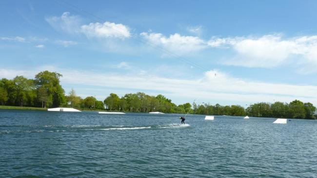 Sensas'Parc - Base de loisirs de Ligny-Credit-Clemence-Charrier--OT-Pays-George-Sand-Plan-d-eau-de-Ligny-fr-ADTI-Sensas-Parc-fr-Sensas-Parc