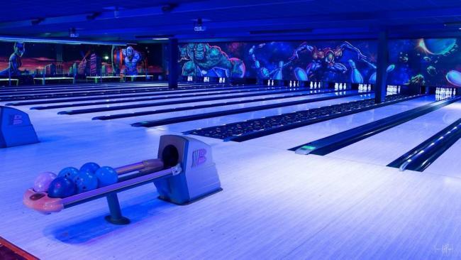 COMPLEXE DE LOISIRS - BOWLING CENTER-Credit-Bowling-Center