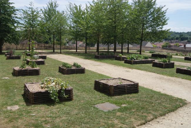 Jardin de l'Abbatiale-Credit-Mairie-de-Saint-Leu-d-Esserent-Jardin-Abbatiale-2-fr-Mairie-de-Saint-Leu-d-Esserent-Jardin-Abbatiale-3-fr-Mairie-de-Saint-Leu-d-Esserent