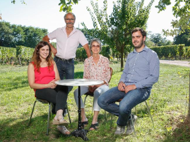 Domaine Olivier-Credit-domaine-olivier-domaine-olivier-vin-fr-domaine-olivier-domaine-olivier-vins-saint-nicolas-bourgueil-fr-domaine-olivier
